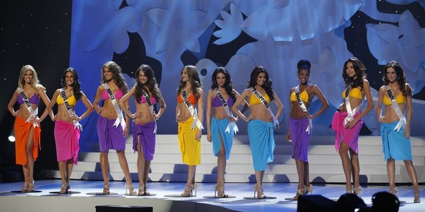 The final ten contestants of the Miss Universe 2011 bikini photo