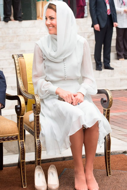 kate middleton muslim dress