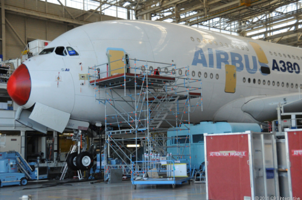 Airbus_A380_up_close_610x405